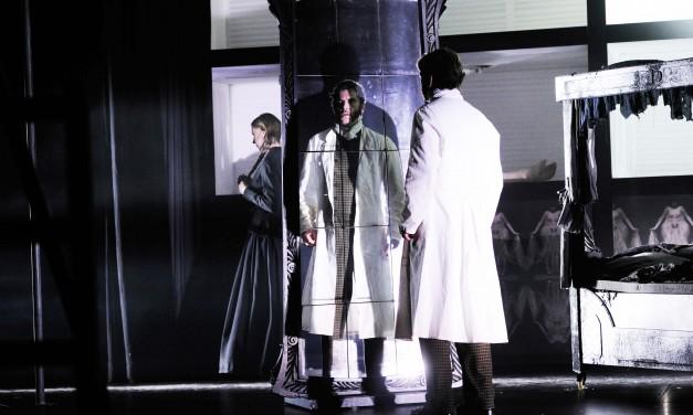 """Kein Spoileralarm: Beide sterben. """"Frankenstein"""" am Grillo-Theater in Essen"""